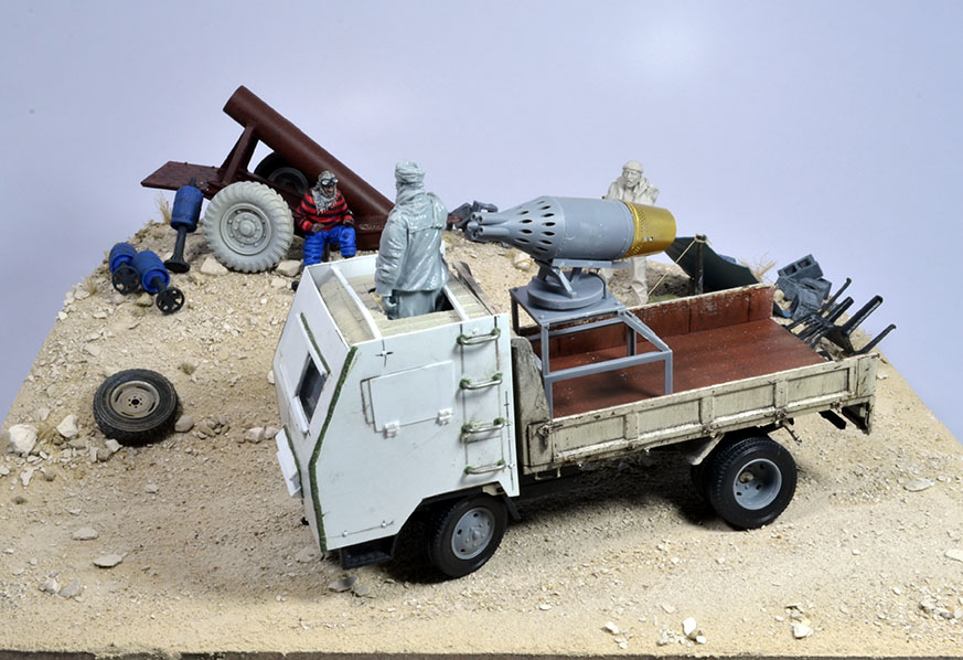 Camion Mitsubishi  blindé 1/35 (DIOPARK) - Page 3 18010810031222494215442167