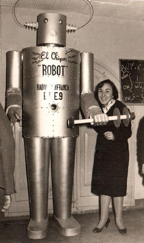 ROBOTIKMACHINE - El Chispas Robot dans Robotikmachine 18011212050215263615445213