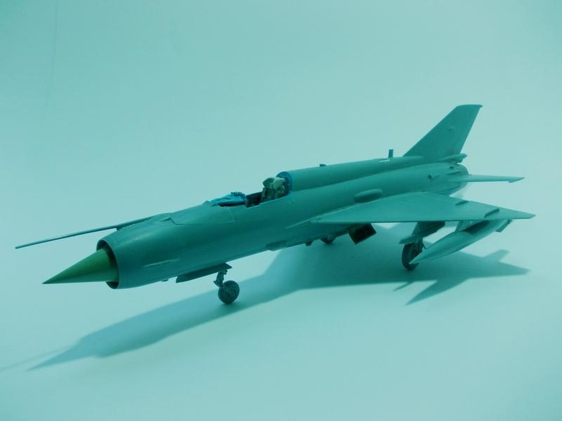 MiG-21 MFN (Eduard 1/48) 18011411541610194415456101