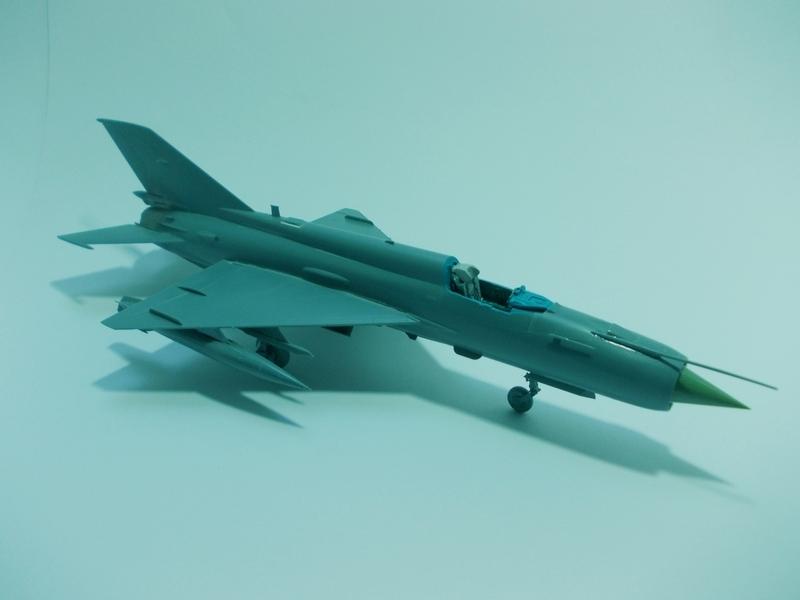 MiG-21 MFN (Eduard 1/48) 18011411542410194415456104