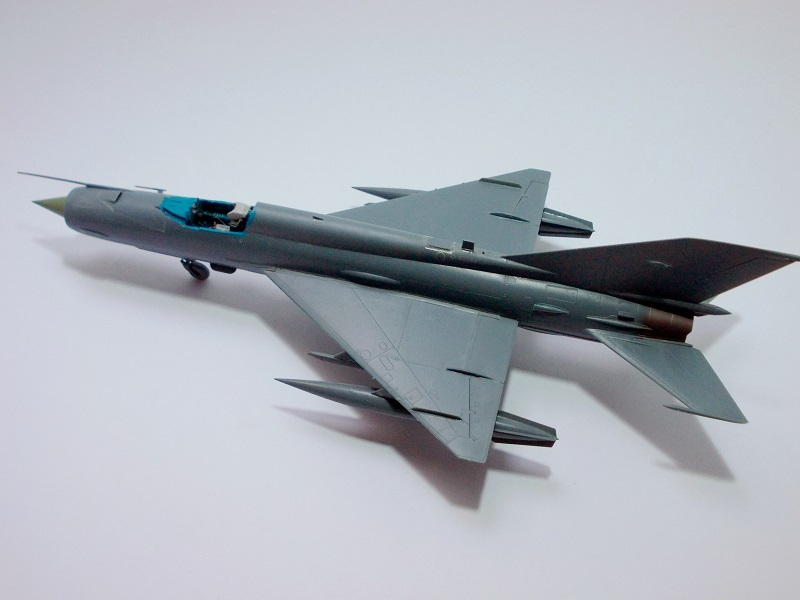 MiG-21 MFN (Eduard 1/48) 18011411544010194415456109