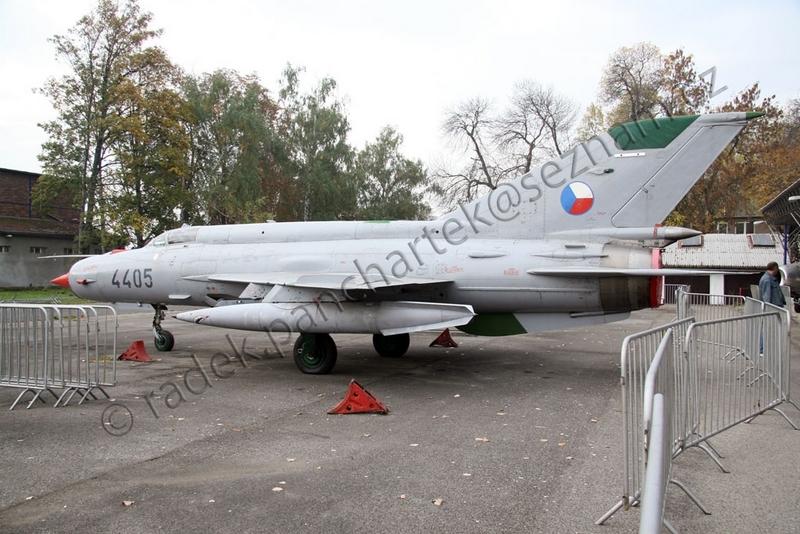 MiG-21 MFN (Eduard 1/48) 18011412240310194415456182