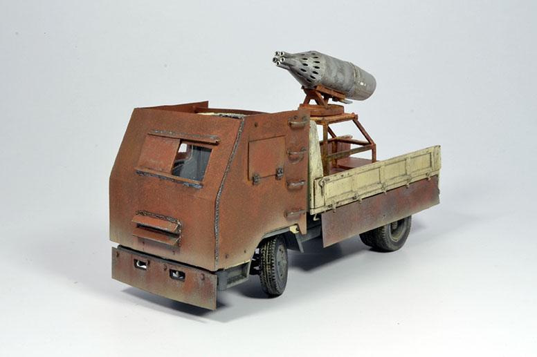 Camion Mitsubishi  blindé 1/35 (DIOPARK) - Page 3 18011611174122494215471321