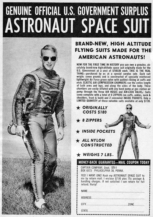 RÉTROFUTURISME - Astronaut Space Suit dans Rétrofuturisme 18011709225215263615471725