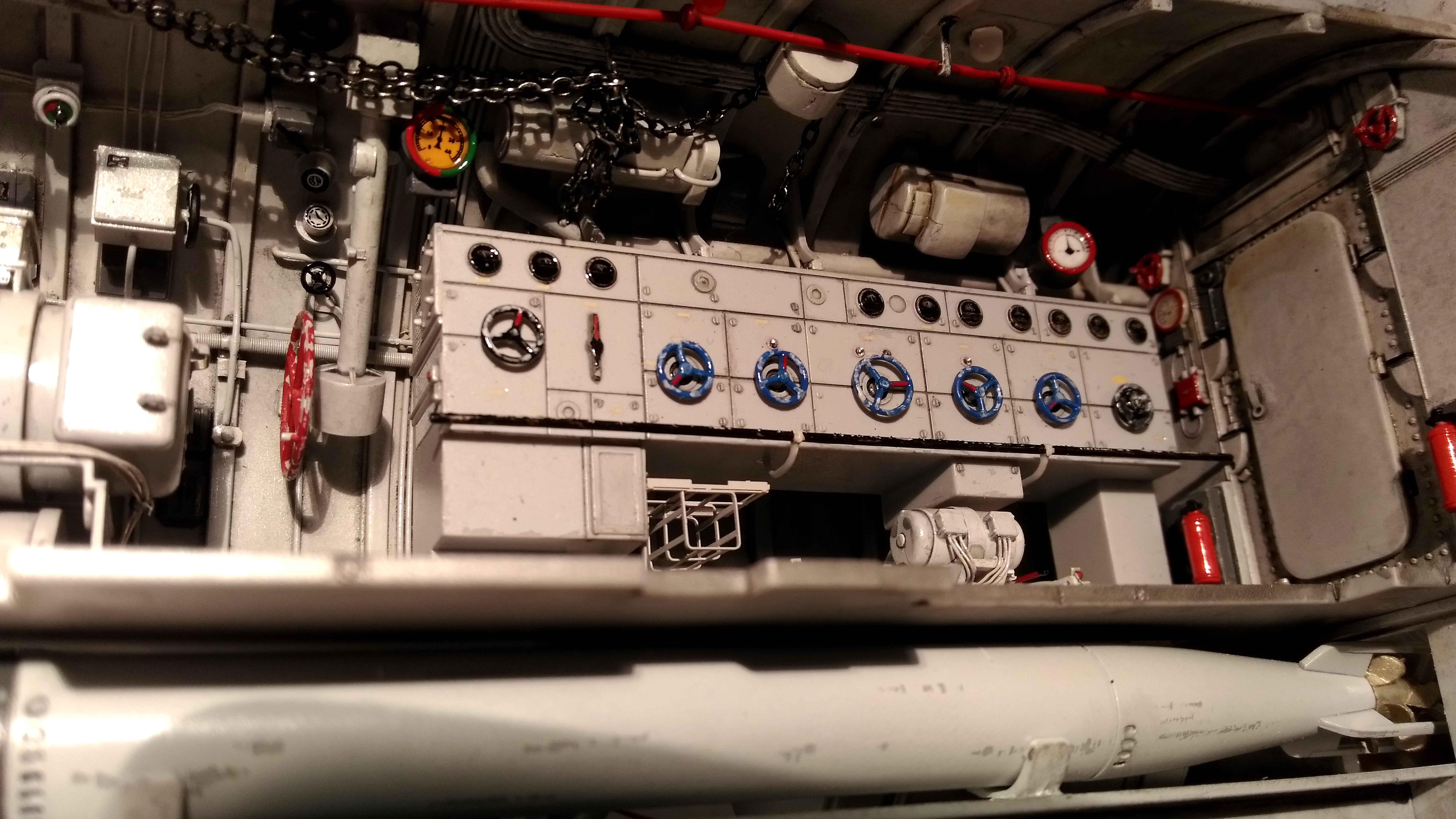 U-552 TRUMPETER Echelle 1/48 - Page 6 18012809531123648415509989