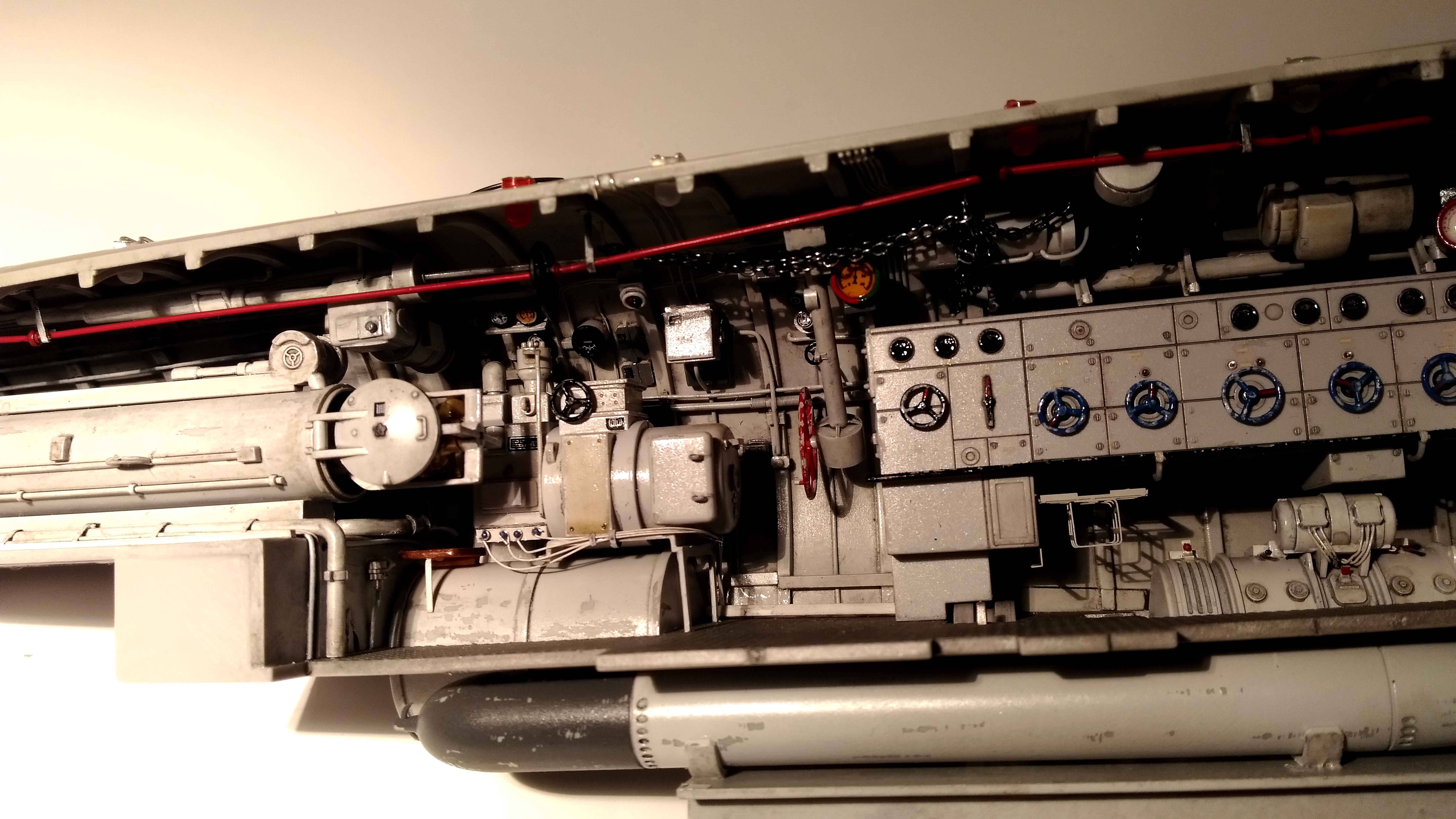 U-552 TRUMPETER Echelle 1/48 - Page 6 18012809532123648415509990