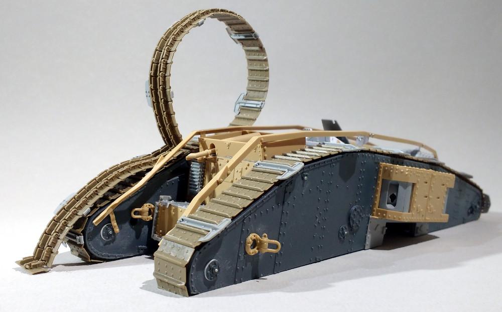 Un char MarkIV enlisé dans les Flandres en 1918 (1/35) 18013111510623099315525685
