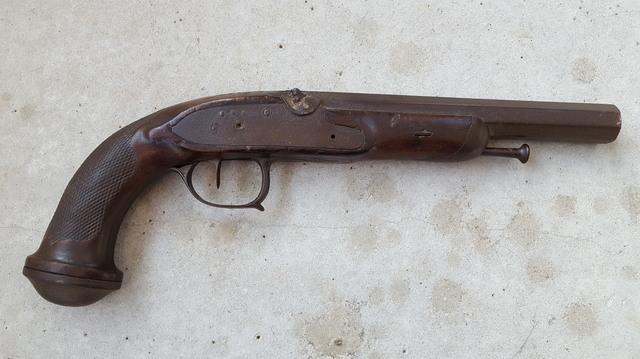 Identification d'un vieux pistolet 18020802583611912015543745