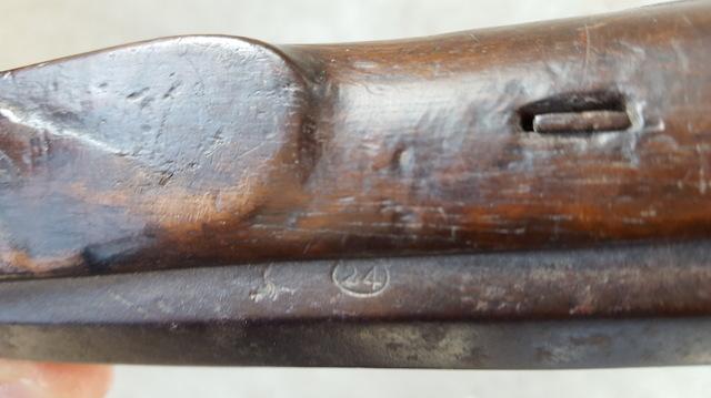 Identification d'un vieux pistolet 18020802593411912015543748