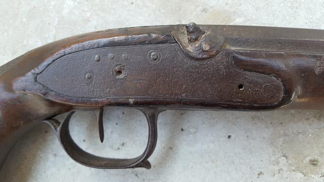Identification d'un vieux pistolet 18020803001511912015543750